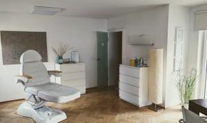 Behandlungszimmer I 300x178 Praxisräume Naturheilpraxis Simm